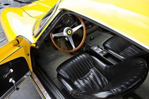 60'ların ve 70'lerin Ferrarileri açık arttırmaya çıktı - Page 1