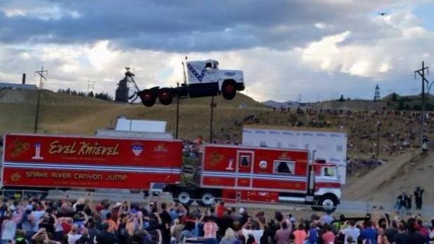 9 tonluk kamyonla 50 metre uçtu! - Page 2