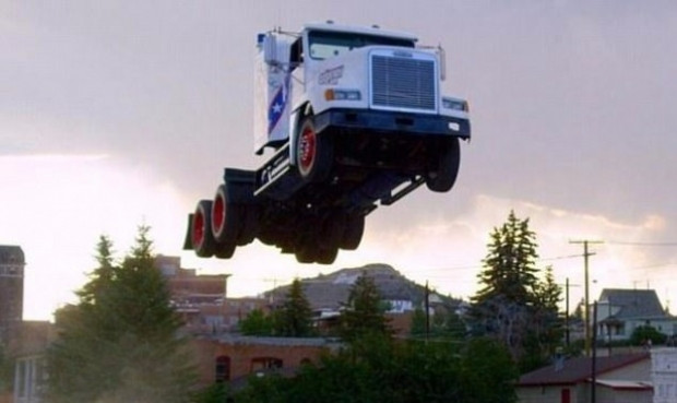 9 tonluk kamyonla 50 metre uçtu! - Page 3
