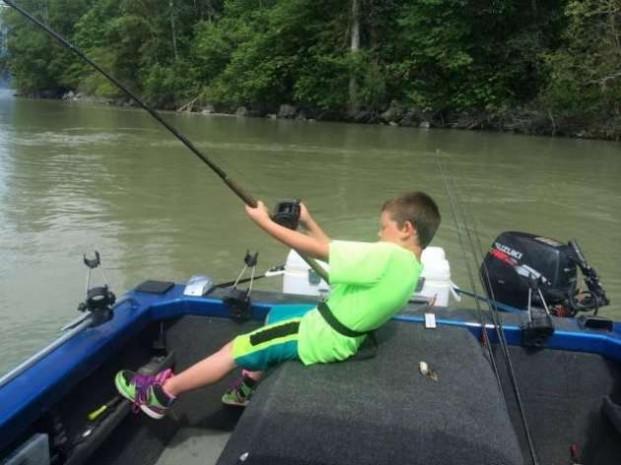 9 yaşında 270 kiloluk balık tuttu - Page 1