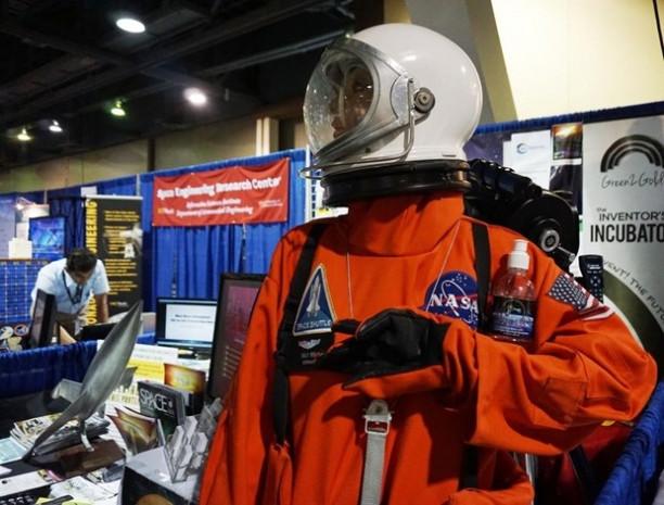 ABD'de uzay teknolojileri fuarı - Page 2