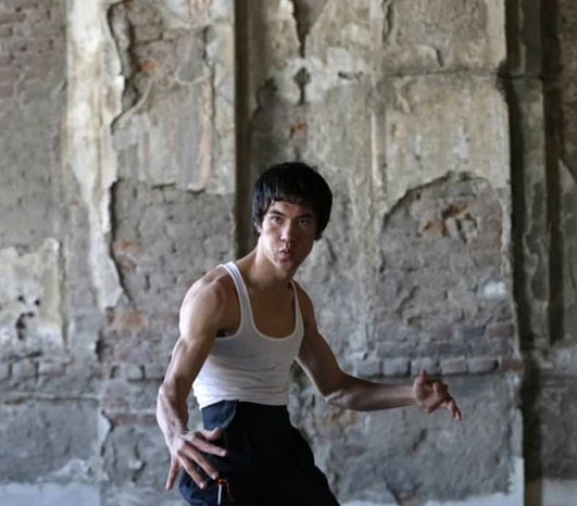 Afgan Bruce Lee fenomen oldu - Page 1