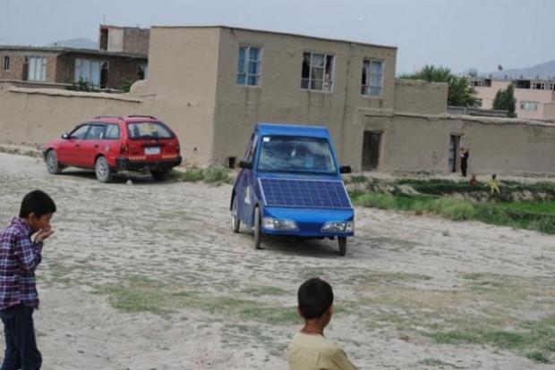 Afgan Mucit'in yaptığı araç hem elektrikli hem güneş enerjili - Page 1