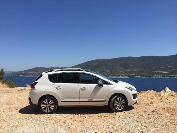 Aileler için ideal bir seçenek: Peugeot 3008 dizel-otomatik - Page 1