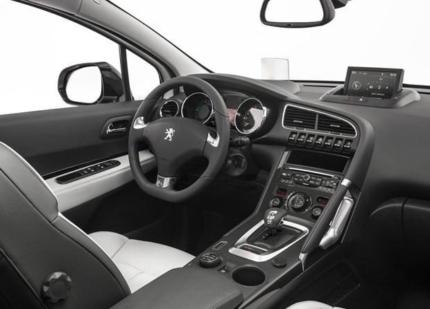 Aileler için ideal bir seçenek: Peugeot 3008 dizel-otomatik - Page 2