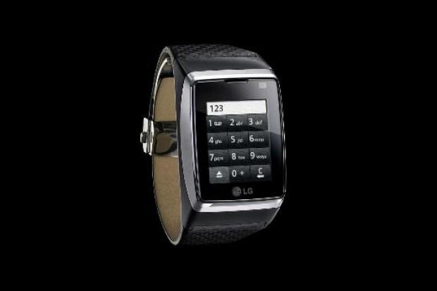 Lg markalı bu dokunmatik ekranlı akıllı saat birkaç sene önce