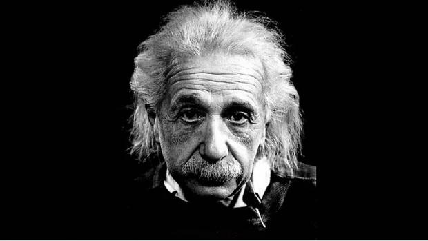 Albert Einstein'in ders niteliğindeki 12 sözü - Page 1