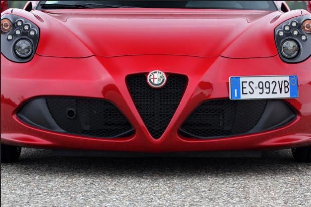 Alfa Romeo 4C Aralık ayında Türkiye'de - Page 4