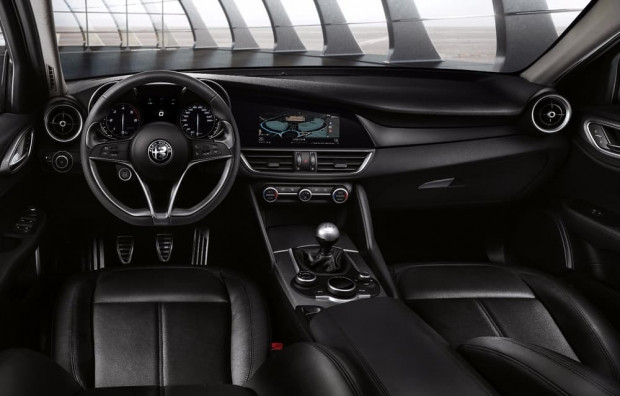 Alfa Romeo Giulia, BMW 3 Serisi ve Audi A4'e meydan okuyor - Page 1