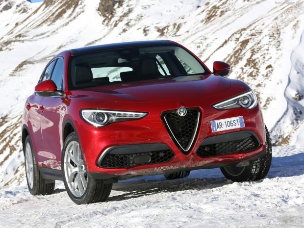 Alfa Romeo'nun ilk SUV'u  Stelvio 2018 - Page 1