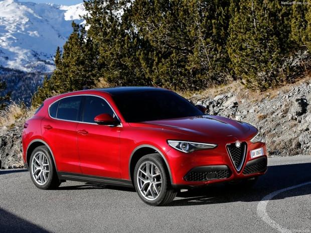 Alfa Romeo'nun ilk SUV'u  Stelvio 2018 - Page 4