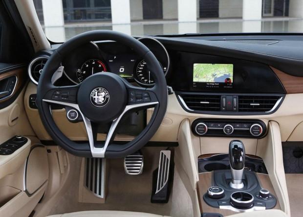 Alfa yeni Sedan'ı tanıttı! - Page 2