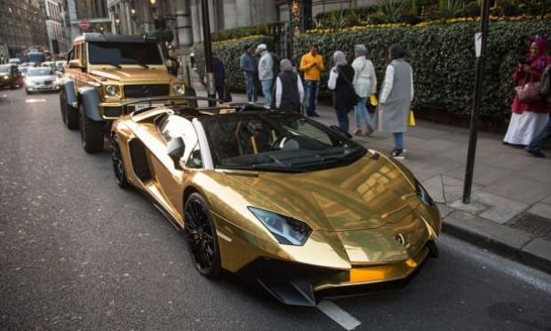 Altın arabalarla şov yaptılar - Page 2