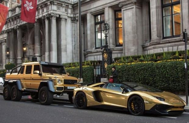 Altın arabalarla şov yaptılar - Page 3