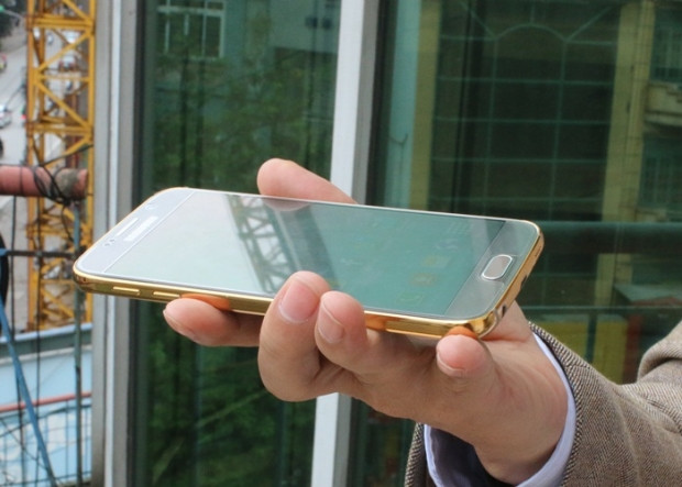 Altın kaplama Samsung Galaxy S6 ve S6 Edge - Page 4