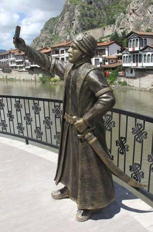 Amasya'da selfie çeken şehzade heykeli - Page 3