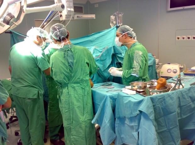 Ameliyat önlükleri neden hep yeşil ve mavidir? - Page 1