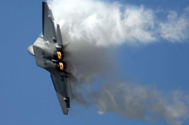 Amerika'nın en yakın müttefiklerine bile satmadığı savaş uçağı: F-22 Raptor - Page 3