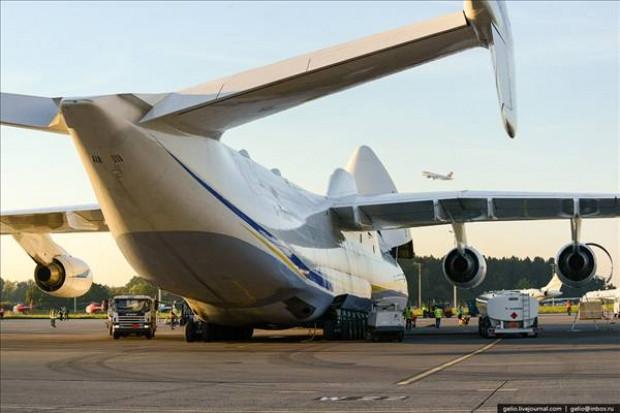 Antonov An-225 Mriya, dünyanın en ağır ve en büyük uçağı - Page 4