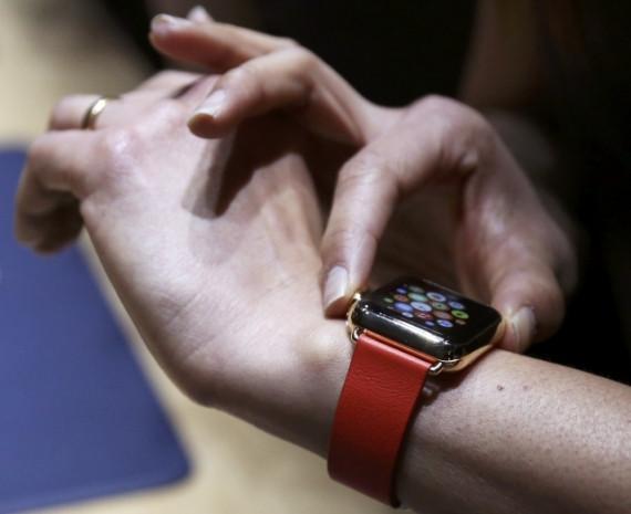 Apple'in akıllı saati Apple Watch - Page 1
