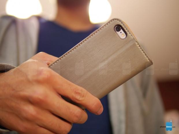 Apple iPhone 6 Plus'a cüzdanlı kılıf geldi! - Page 1