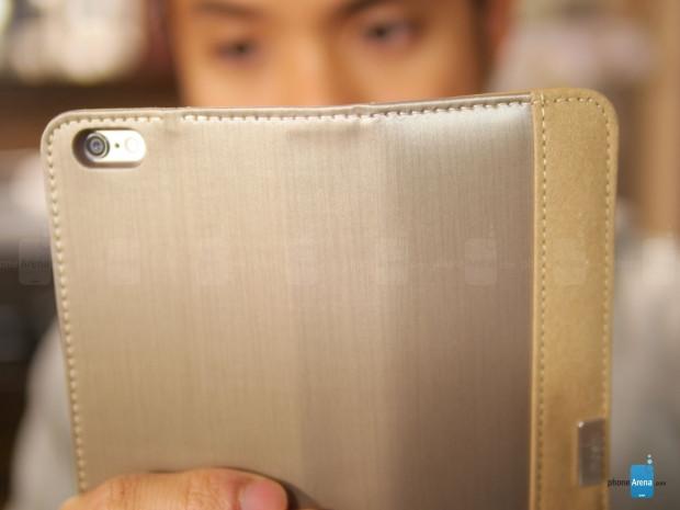 Apple iPhone 6 Plus'a cüzdanlı kılıf geldi! - Page 2