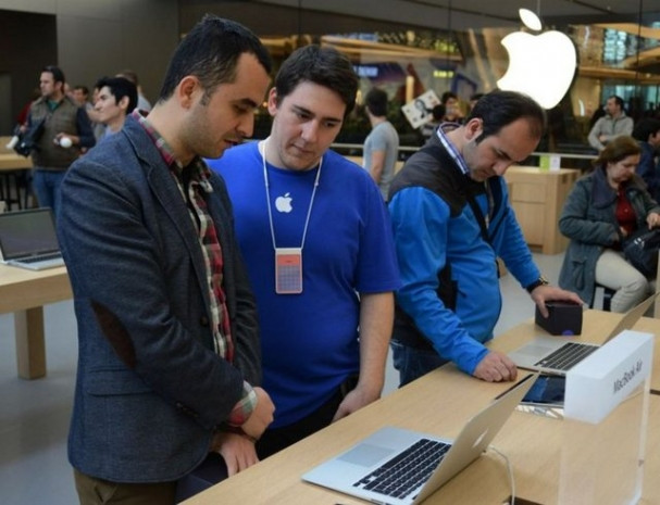 Apple Store açılışında büyük izdiham! - Page 1