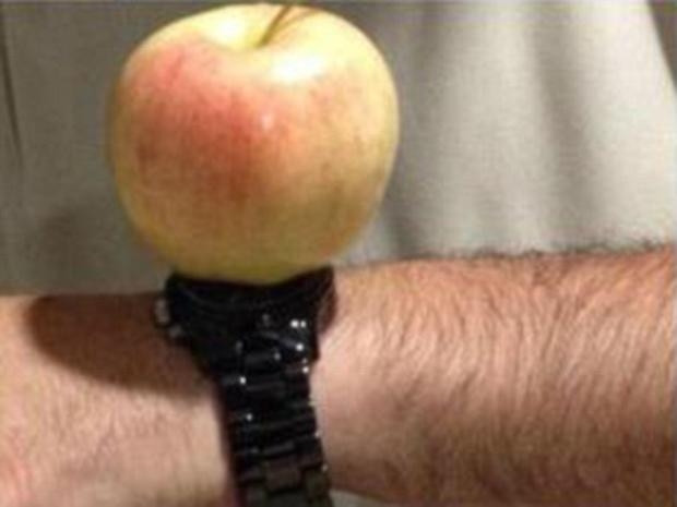 Apple Watch ile böyle dalga geçtiler - Page 1