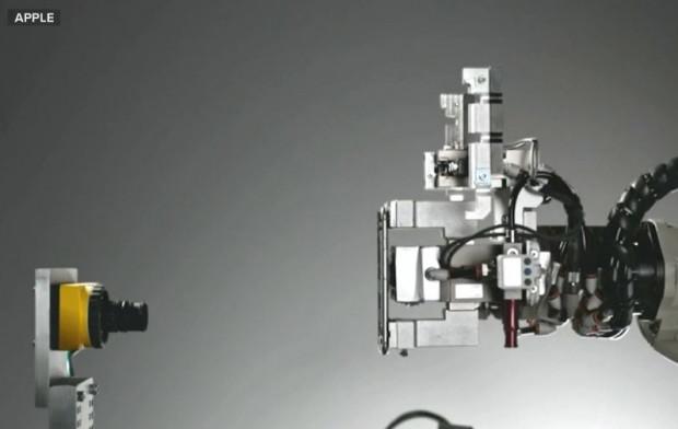 Apple'ın iPhone'larını paramparça eden robotu - Page 4