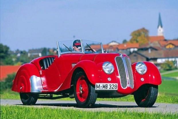 Araba tarihine yön veren 25 otomobil - Page 3