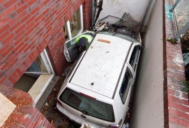 Araçlarla yapılan sıra dışı kazalar - Page 1