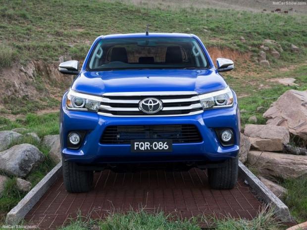 Arazi aracında devrim Toyota HiLux 2016 - Page 2