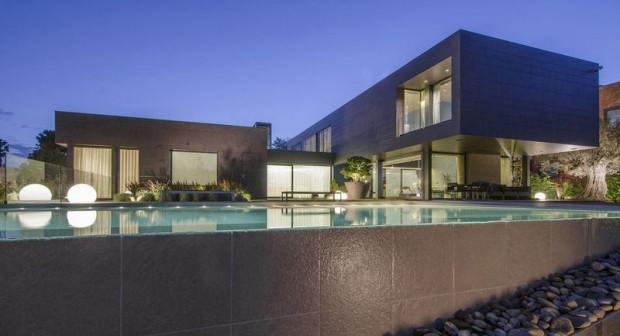 Arda Turan'ın 15 milyon euro değer biçilen evi - Page 2