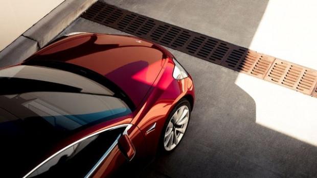 Asfalt ağlatan Tesla Model 3'ün özellikleri - Page 2