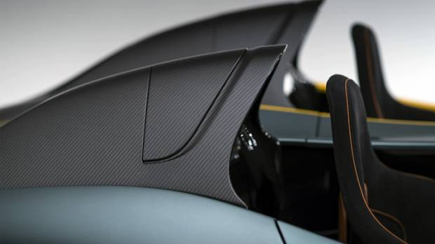 Aston Martin'den olağanüstü CC100 Speedster - Page 4