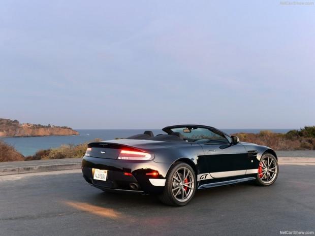 Aston Martin V8 Vantage Roadster - Page 1