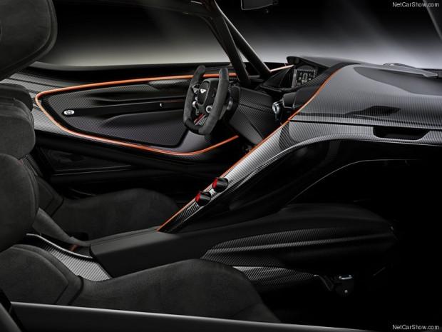 Aston Martin Vulcan 2016 - Page 2