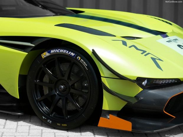 Aston Martin Vulcan AMR Pro 2018 - Page 3