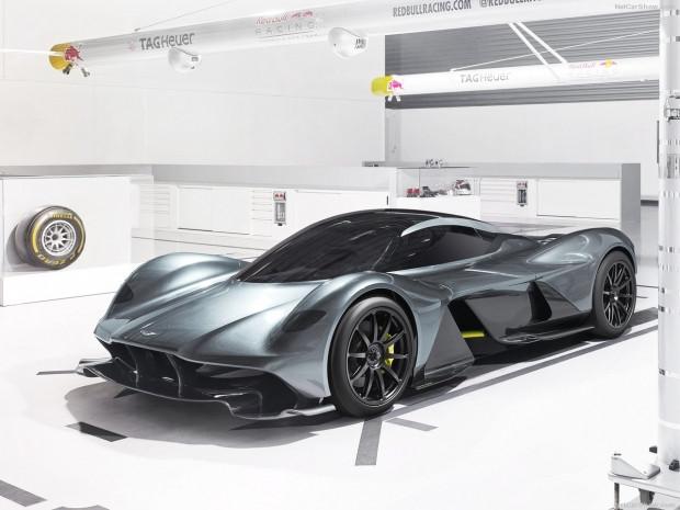 Aston Martin'den 2018 uzay mekiği gibi araç AM-RB 001 - Page 1