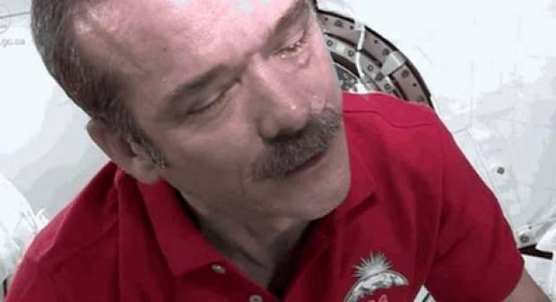 Astronot olup uzayda yaşamak böyle bir şey - Page 1