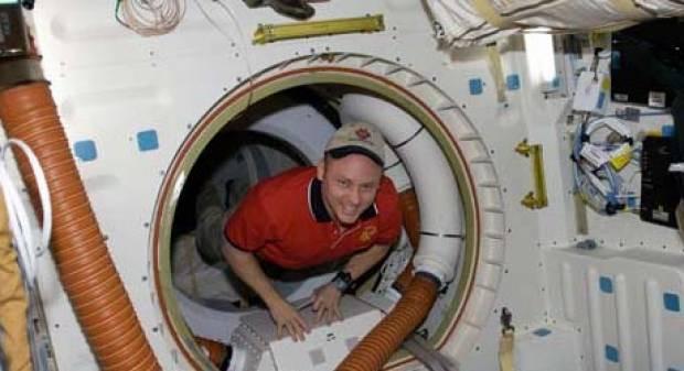 Astronot olup uzayda yaşamak böyle bir şey - Page 4