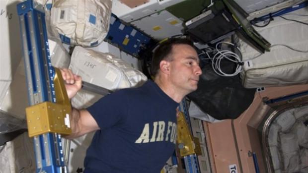Astronotların dudak ısırtan maaşları - Page 1