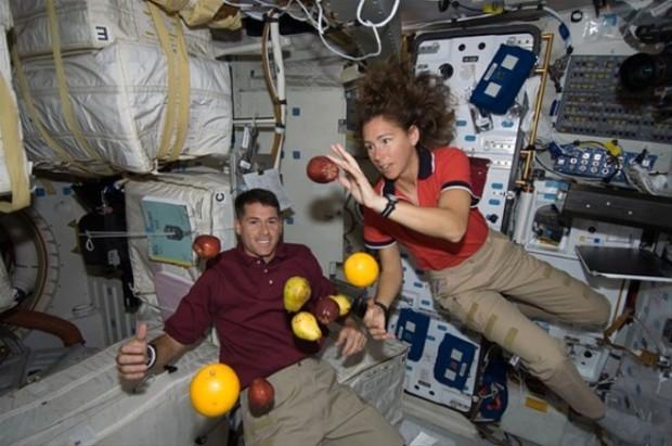 Astronotların dudak ısırtan maaşları - Page 4