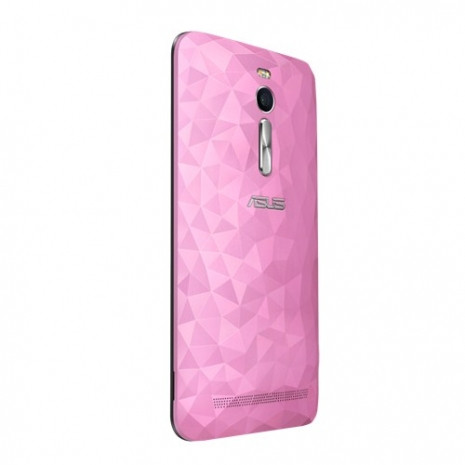 Asus Zenfone 2 Deluxe, Zenfone 2 Laser, Zenfone Selfie, Zenfone Max'ı tanıttı - Page 1