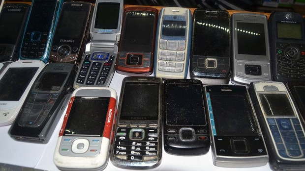 Bakın eski telefonlara ne oluyor? - Page 3