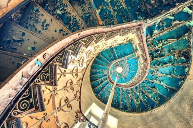 Baş döndüren tuhaf merdivenler - Page 4