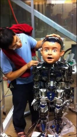 Bebek robot'un mimikleri bile var! - Page 4