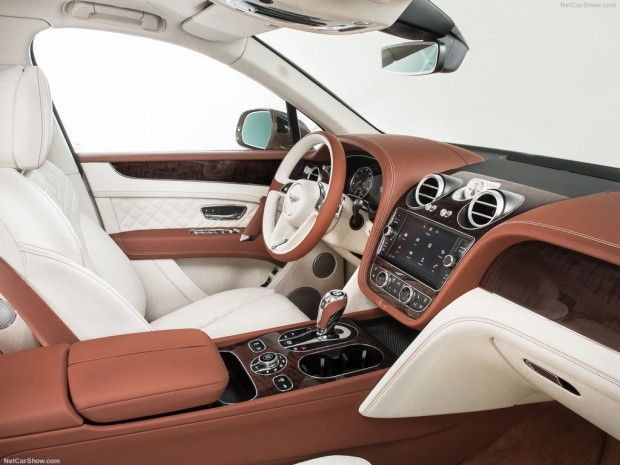 Bentley Bentayga (2016) - Page 4