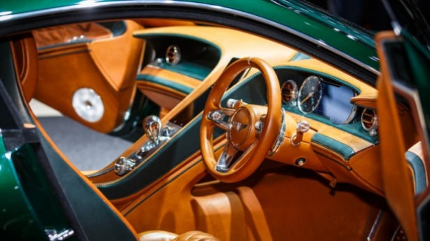 Bentley'den yeni spor otomobil! - Page 4