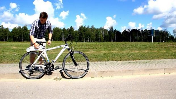 Bir aparatla bisikletiniz motosiklete dönüyor - Page 4